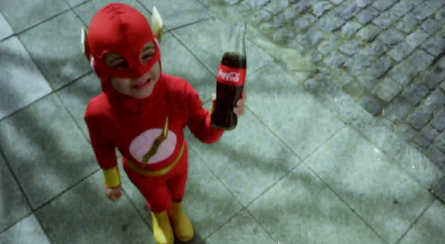 Coca-Cola superheroes en Facebook