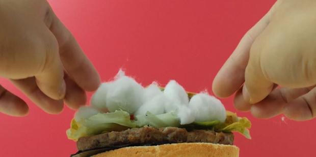 Descubre cómo se prepara la comida en publicidad