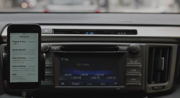 Una cuña de radio que pone tu móvil en modo avión mientras conduces